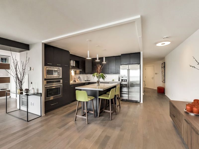 401 queens quay w 502 kitchen has been opened up to living area