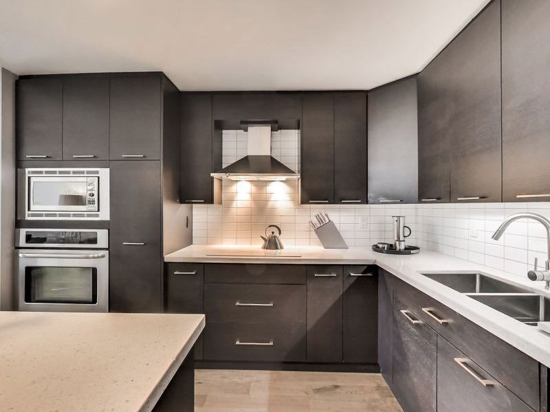 401 queens quay w 502 upgraded kitchen with built ins