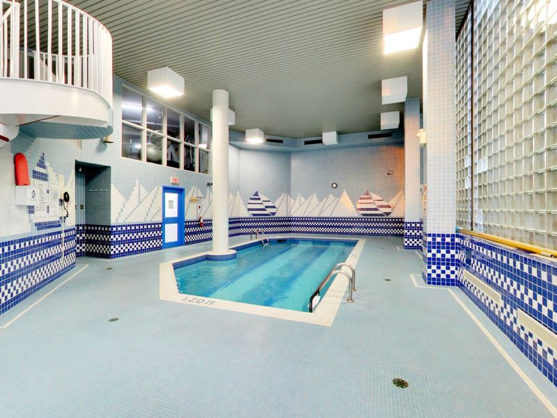 401 queens quay w indoor pool area