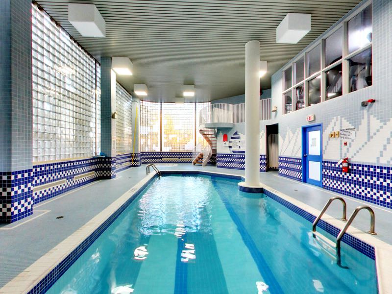 401 queens quay w indoor swimming pool