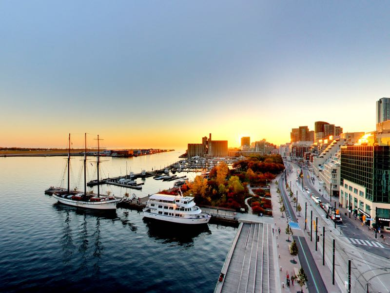 sunset views from rooftop deck of 401 queens quay w