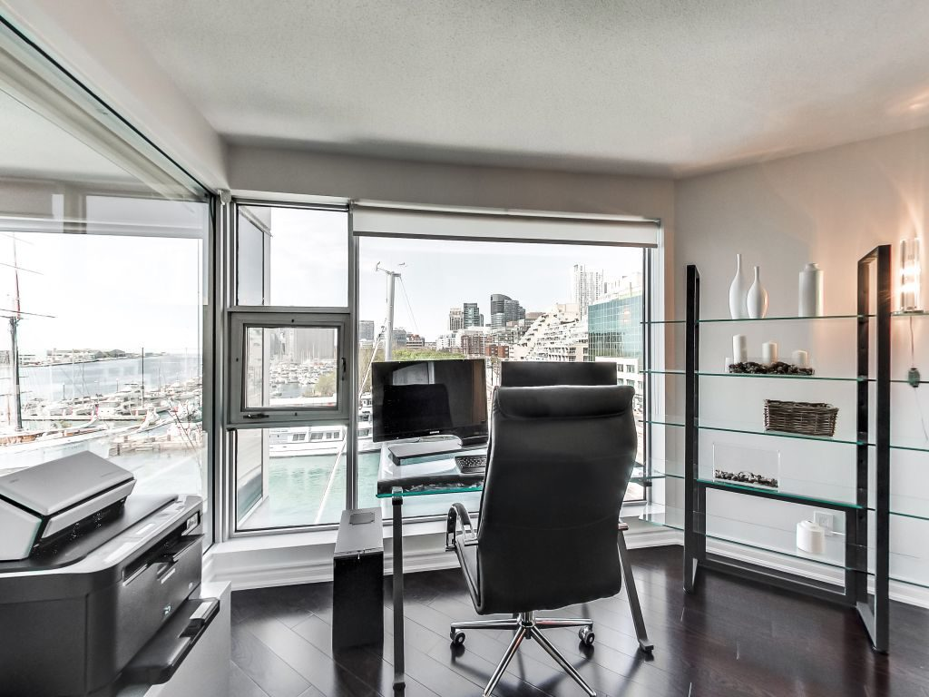 401 Queens Quay W den overlooks Lake Ontario