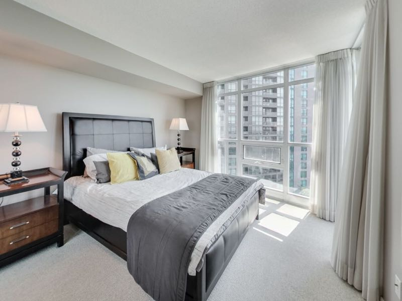 231 Fort York Blvd 1603 master bedroom