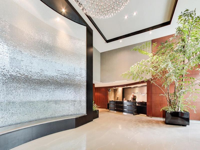231 Fort York Blvd lobby and concierge desk